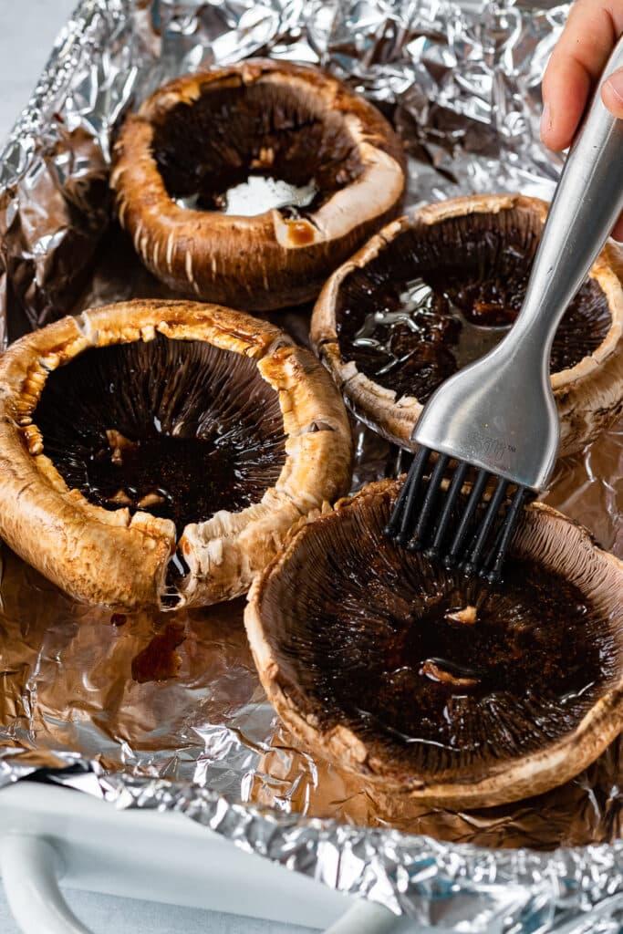 Marinating the mushrooms in sauce